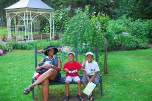 mom and boys bench