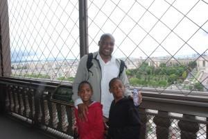 Eiffel boys