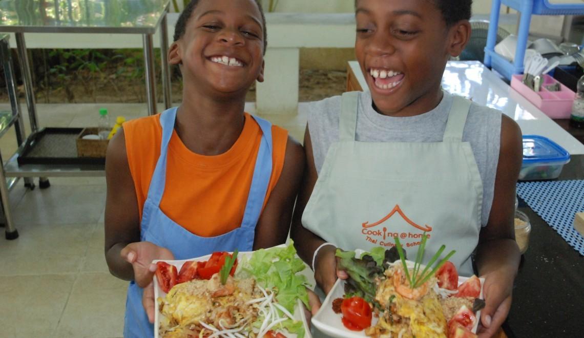 boys cooking thai