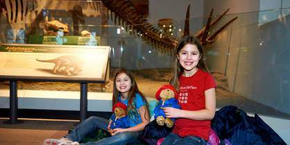 Field Museum in Chicago features Dozin' with the Dinos - Part of Globetrotting Mama's March 13 travel deals