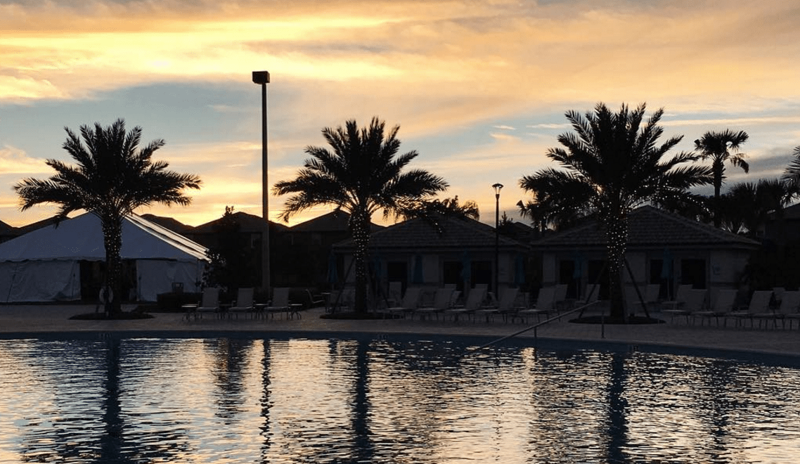 Hanging out at a pool in January - Top destinations for finding the sun on GlobetrottingMama.com