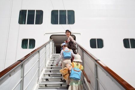 Get on board a cruise this year. Globetrotting Mama shares top cruises for families