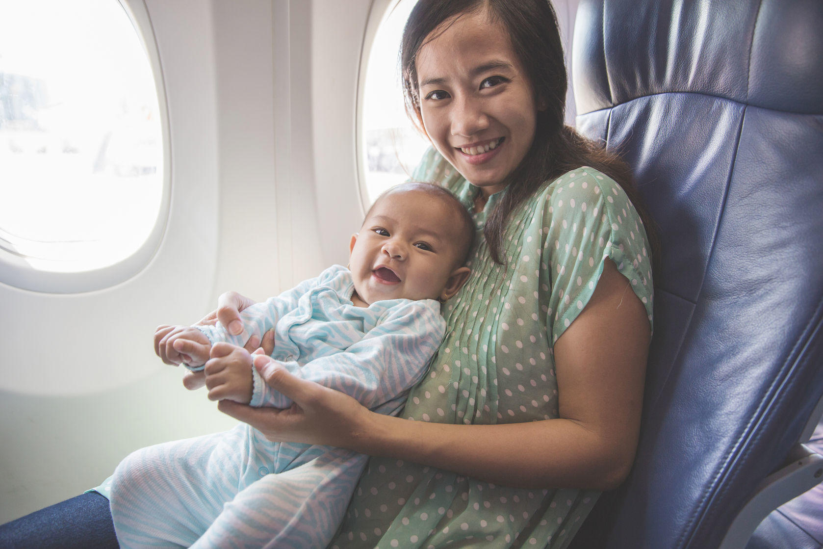 Traveling with kids - airplane survival tips on GlobetrottingMama.com