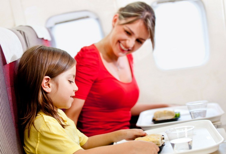 Parents and Air Travel :  Paying to Sit With Your Kid? Not Anymore in the USA