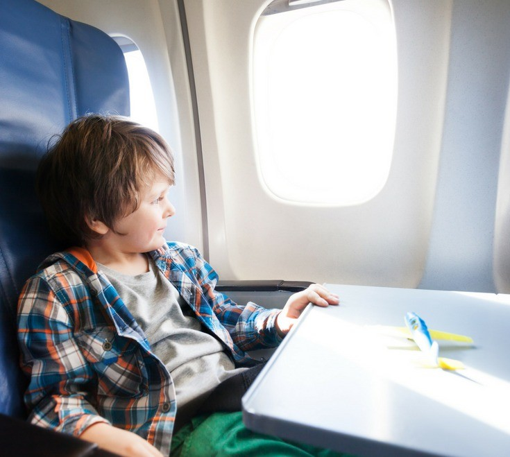 1- 5 Things Every Parent Needs for an Electronics Free Flight with Kids