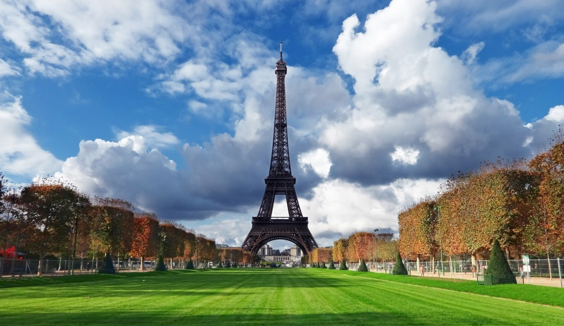 Travel Deals and Destinations: Family Vacation in Paris